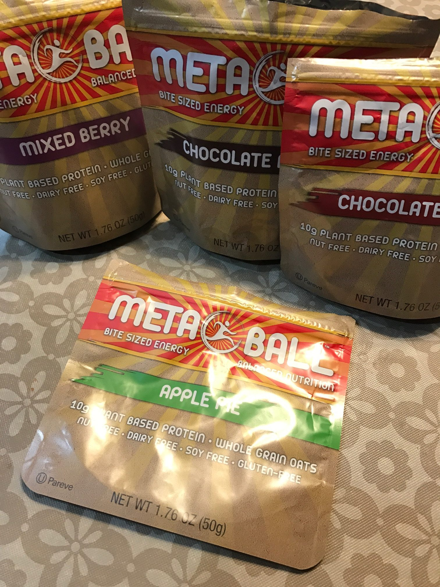 Ingredients in meta health bars - So I Am All About Protein Bars But Easily Run Into 1 Of 3 Problems They Taste Great But Loaded With Sugar They Taste Awful But Have No Sugar And High